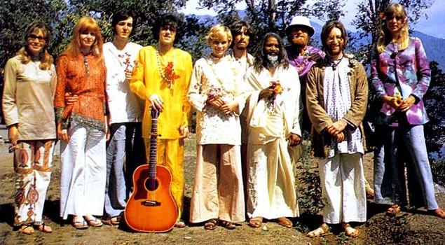 George Harrison beau sous-rire1968