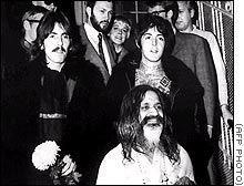 M�ditation beatles change_begins_within laughing riant rires Maharishi