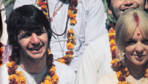 Ringo-Starr-in-India-1968